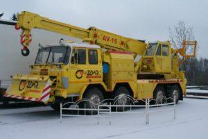 Tatra do sekce servis nákladních vozidel a autobusů